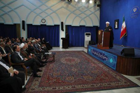 روحانی در دیدار رییس و اعضای فراکسیون امید مجلس: سکوت و ناامیدی هیچ فایدهای ندارد