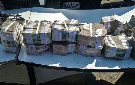 بازداشت سارقان خودروی حمل پول بانک پاسارگاد در لاهیجان/تصاویر