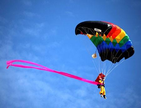 عکسهای جالب,عکسهای جذاب,پرواز با چتر