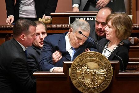 عکسهای جالب,عکسهای جذاب,فرماندار ایالت مینه سوتا