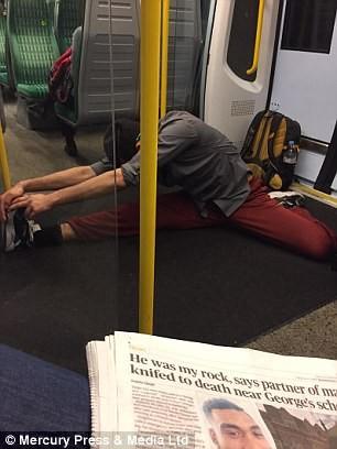 اخبار,اخبار گوناگون,حرکات یوگا در مترو لندن