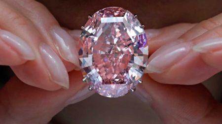 این الماس صورتی رکورد فروش جهان را شکست+ تصاویر