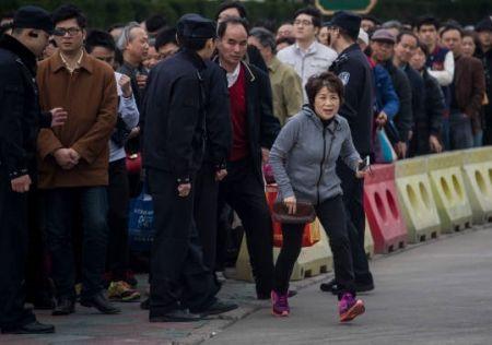 روز پاکسازی قبور در چین(تصاویر)