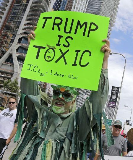 وقتی مردم به خاطر «علم» به خیابان میریزند!/تصاویر