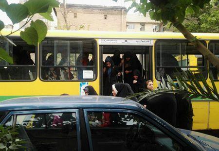هواداران شهردار تهران با اتوبوس به حوزه هنری آورده شدند/ تصاویر