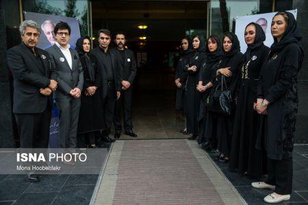 حضور گسترده بازیگران در مراسم چهلم علی معلم/تصاویر