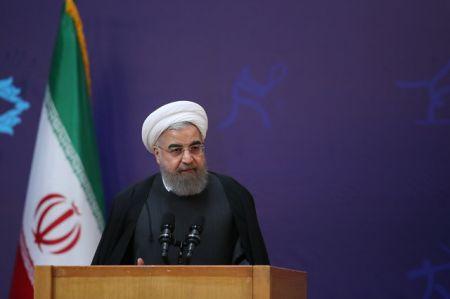 روحانی:اگر در کشور احساس کنیم یک خانوادهایم همه مشکلات حل میشود
