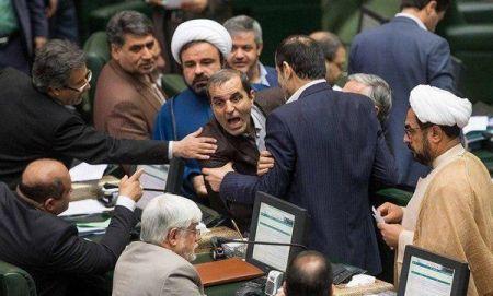 توضیح اینستاگرامی عارف درباره یک عکس حاشیهساز در صحن مجلس