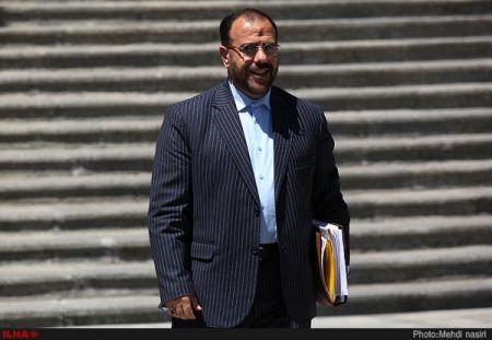 امیری : هیچ کدام از فراکسیونها بحثی درباره مصادیق اعضای کابینه با رییسجمهور نداشتهاند/ نظرات نمایندگان را برای روحانی بازگو کردم