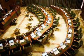 کدخدایی: برخی فقها معتقدند که زن نباید وزیر شود