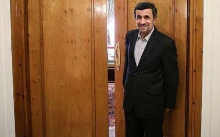 محمود احمدینژاد؛ رخبهرخ با علی لاریجانی