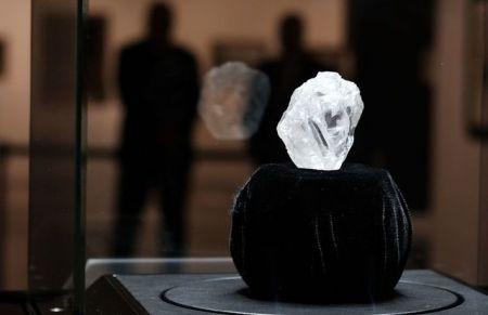 بزرگترین الماس قرن ۵۳ میلیون دلار فروش رفت