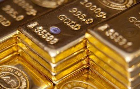 کاهش ماهانه طلا در واکنش به گرانی دلار