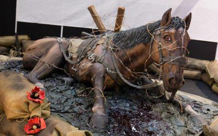 کیکی در ابعاد واقعی یک اسب در نمایشگاه کیک بیرمنگام/عکس