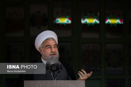 روحانی: سرمایهگذاران و کارآفرینان را برای سرمایهگذاری تشویق کنیم
