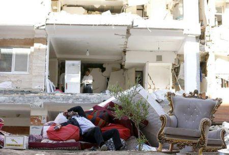 اثر عکاس ایرانی از زلزله کرمانشاه که منتخب سال خبرگزاری فرانسه شد./عکس