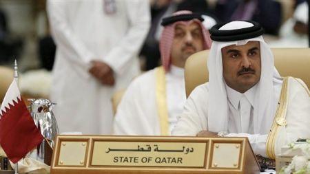 جایزه ۵۰ هزار دیناری برای پرتاب کفش به سمت امیر قطر!