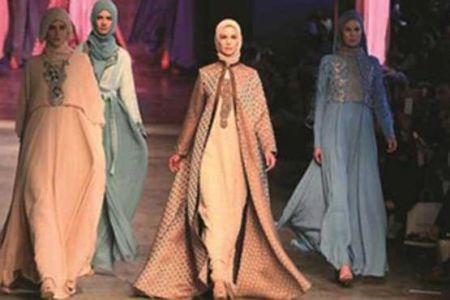 زن مدل مصری با لباسش جنجال به پا کرد +عکس