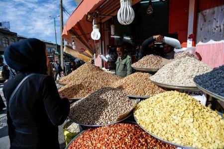 افزایش قیمت آجیل/ وقتی پسته گران میشود، تخمه هم عقب نمیماند!