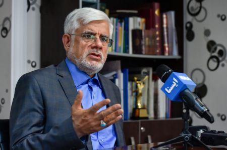 عارف: روند پیگیری رفع حصر قابل قبول است
