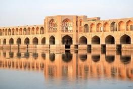 بخش سوخته پل خواجو ارزش تاریخی ندارد/تعمیر سوختگی درب مسجد سید