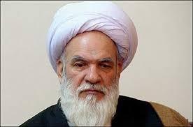 عضوجامعه روحانیت: کسی اطراف احمدی نژاد نیست و قضیه بزودی جمع می شود