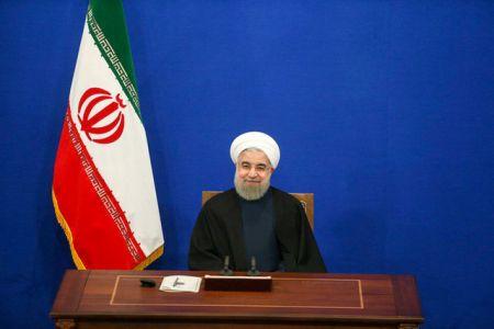 واکنش روحانی به دلار 4800 تومانی/ مردم در این مسیر پرریسک سرمایهگذاری نکنند
