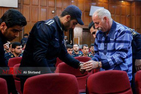 محمد ثلاث: درویش نیستم/ نیروی انتظامی من را کتک زد و عصبانی شدم/ اثاثیه خانهام را به زلزلهزدگان اهدا کردم