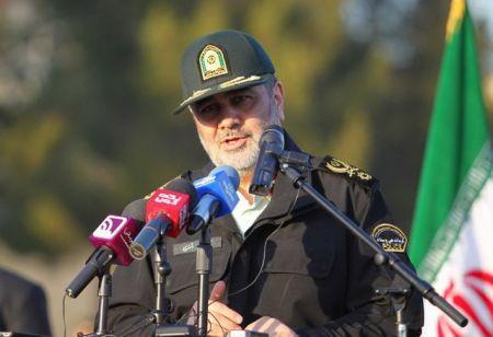 فرمانده ناجا: به هیچ فرد و فرقهای اجازه تحرکات ضدامنیتی نمیدهیم/ مخلان نظم و امنیت بزودی محاکمه میشوند