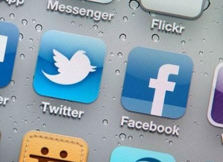 تندروهای داخلی با حمایت از فیلترینگ فیس بوک و توییتر،راه را برای توسعه شبکه بی هویت تلگرام باز کردند