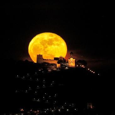 عکسهای جالب,عکسهای جذاب, قرص کامل ماه,