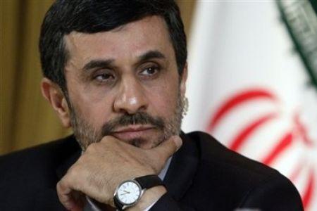 به ضرر احمدینژاد یا به نفع او؟!/ ۵ نکته دربارۀ حاضران و غایبان بیانیۀ اعلام برائت