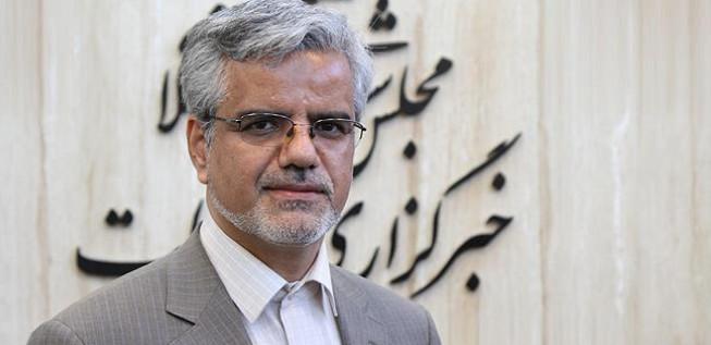 محمود صادقی: روحانی خانه تکانی کند، این کابینه بازنشسته ها است