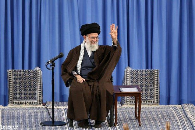 رهبر انقلاب : در میانه یک میدان بزرگ جنگ قرار داریم/ کوچکترین تردید درباره صلاحیت افراد باید منعکس شود