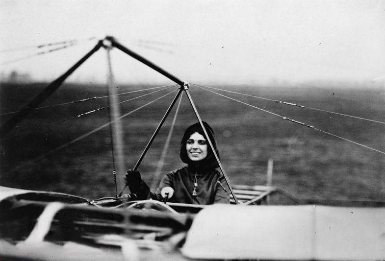اخبار,اخبارگوناگون, نخستین خلبان زن