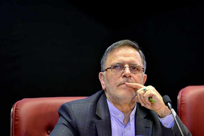 سیف از دو نماینده مجلس شکایت کرد