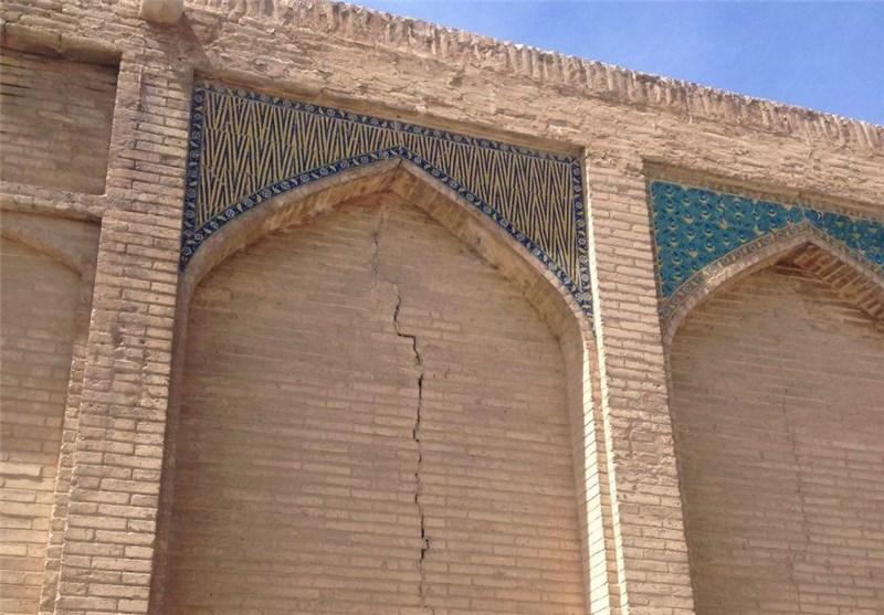 واکنش میراث فرهنگی اصفهان به ترکهای پل خواجو: هیچ مشکل خاصی وجود ندارد