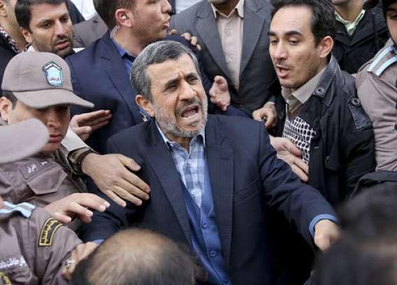 آقای احمدینژاد! آن قدرها هم که فکر میکنید مردم فراموشکار نیستند/ شما نبودید که تحریمها را باعث افتخار دولتتان میدانستید؟!
