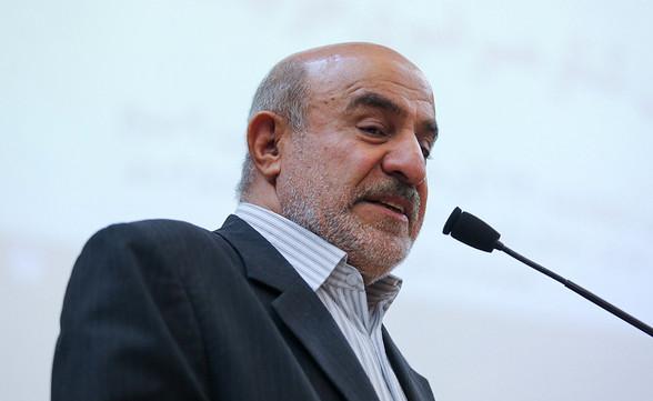 حسین کمالی: باید با یکدیگر صریح و مستقیم صحبت کنیم/ مردم برای صحبت با مسئولان تنها میتوانند به آنها پیامک بزنند