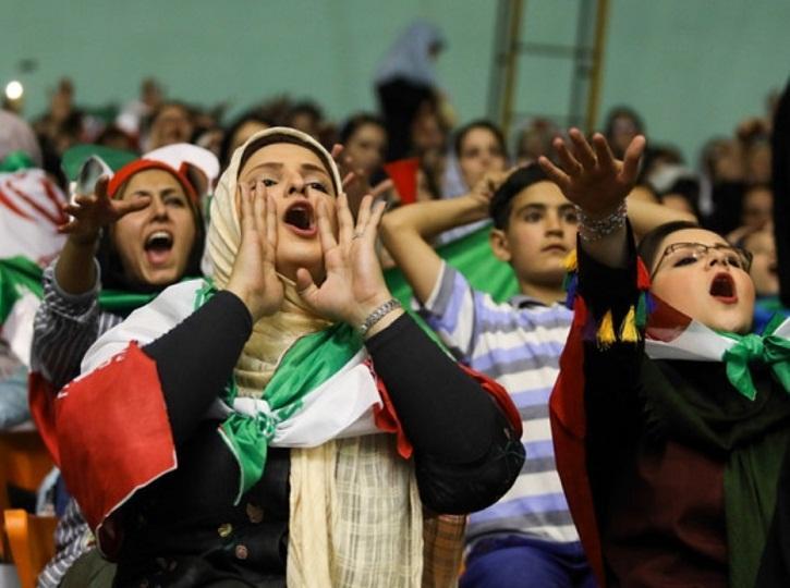 استاندار تهران: برای حضور زنان در ورزشگاهها عجله نکنید؛اجازه دهید پله پله جلو برویم