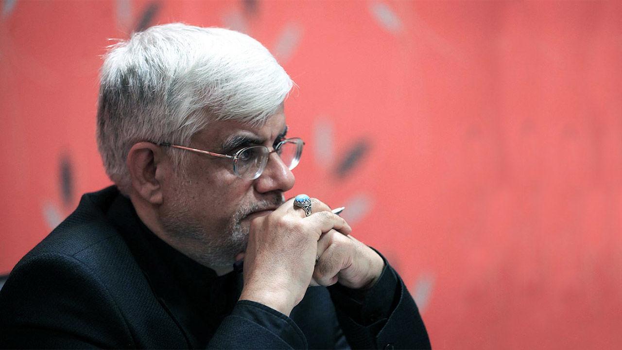 عارف: عملکرد دولتمردان بی انگیزگی را به جامعه القاء نکند