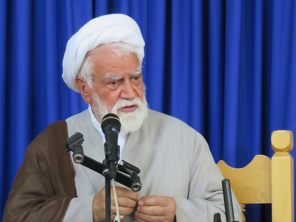 نماینده ولی فقیه در استان هرمزگان: دولت زالوها را از اقتصاد مملکت جدا کند/ اجازه ندهند گرانیها به مردم فشار بیاورد