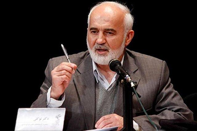 توکلی: نامه روحانی به علی لاریجانی تهدید مجلس بود/ روحانی حقایق را به مردم بگوید