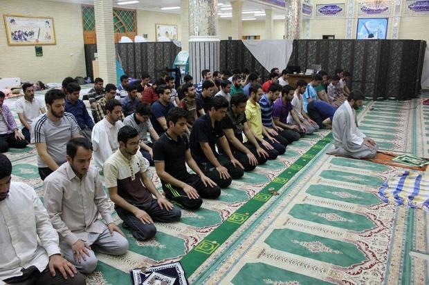 ستاد اقامه نماز کشور: فقط ۴۲درصد جوانان نماز میخوانند