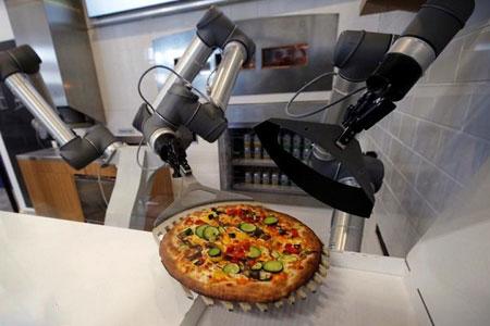 عکسهای جالب,عکسهای جذاب ,ربات پیتزاپز
