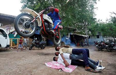 عکسهاي جالب,عکسهاي جذاب,جشنواره آييني هندوها