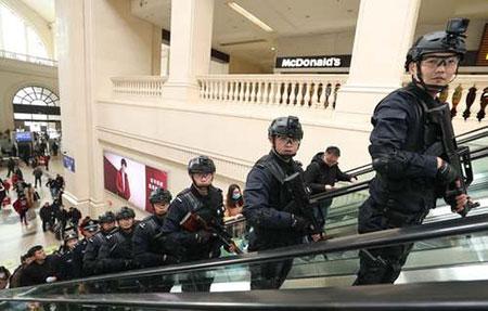 عکسهای جالب,عکسهای جذاب,نیروهای امنیتی چین
