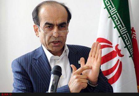 خادمی : فقط روی کاغذ میتوانند جایگزین نفت ایران شوند، نه در عمل/ باید با برگهای برنده دستمان بازی کنیم
