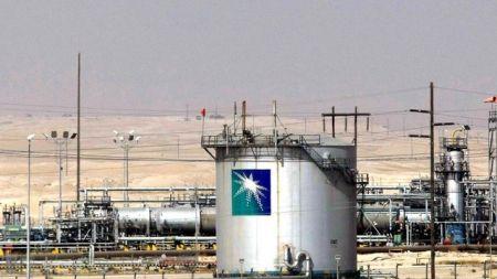 دو نیروگاه پمپاژ نفت در ریاض، مورد هدف قرار گرفت/ قیمت نفت یک درصد افزایش یافت