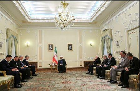 رئیس جمهور : مناسبات تهران-دوشنبه، همسو با اشتراکات فرهنگی و تاریخی بیش از پیش گسترش یابد